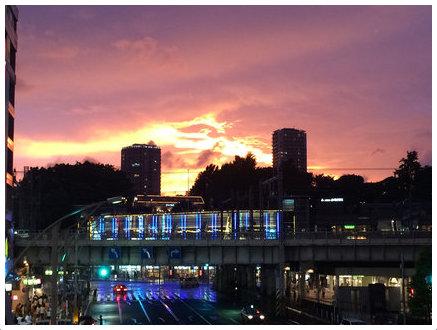 燃ゆる昨日の上野駅