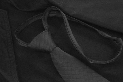 喪服と楽ちん黒ネクタイ