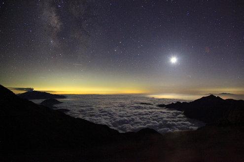 槍ヶ岳山荘テン場からの星景