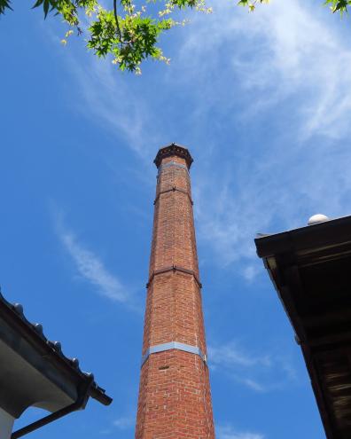 松葉屋本店の煉瓦造煙突