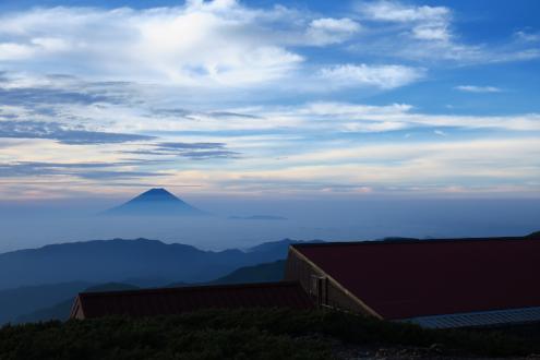 北岳山荘からの眺め