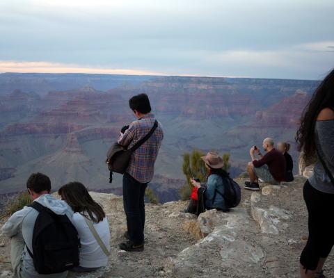 夕陽を撮る人たち