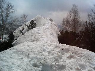 冬瓜山のナイフリッジ180430