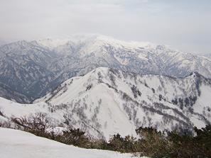 笈ヶ岳から白山180430