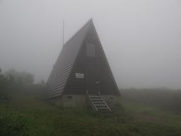 手塩岳避難小屋220718