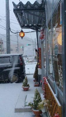 2014年2月8日 マルコウ 雪の日の店頭