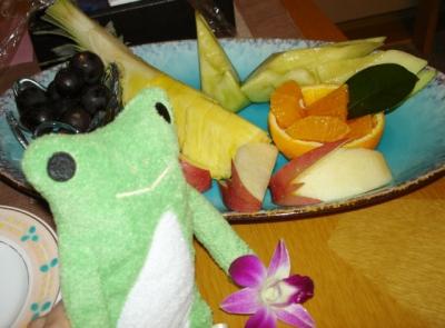カエルとフルーツ