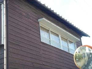 窓枠、木です