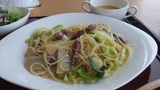 ほたるいかと筍のポッラータ仕立てスパゲッテー