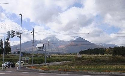 妙高山に初雪