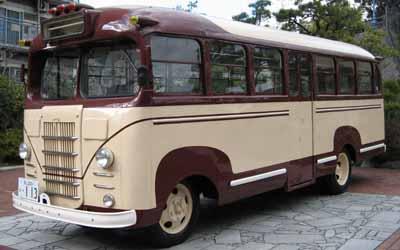 ボンネットバス・トヨタBM改キャブオーバーバス(1948年式,1953年富士自動車工業で車体改装)