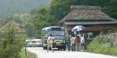 2007年8月4日、岡山県備前市吉永町・八塔寺におけるロケでの準備風景
