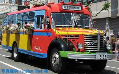 2010年5月16日、福山ばら祭のローズパレードへ出場したボンネットバス・日野BA14