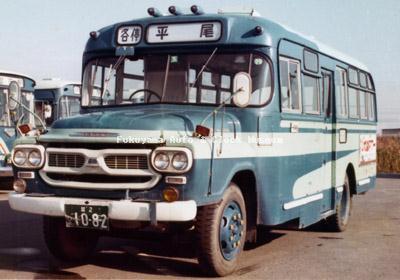 江若交通のいすゞBXD30(1967年式,帝国自動車工業) 1976年に堅田営業所で撮影されたもの