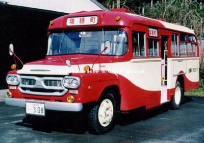 瑞穂町営バスで使用時のいすゞBXD30(1966年式,帝国自動車工業)