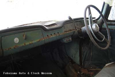 マツダB1500(BUB61)廃車体 車内