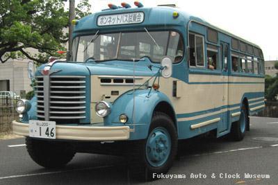 2010年お盆のボンネットバス試乗会で走る日野BH15(1961年式,帝国自動車工業)