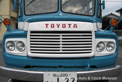 ボンネットバス・トヨタDB100(2010年10月15日撮影)