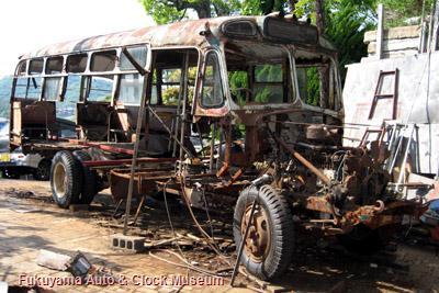 ボンネットバス・いすゞBX141(1957年式,北村製作所)修復作業状況(2008年5月15日撮影)
