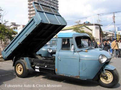 第2回糸目フェス(2011年2月13日開催)でダンプアップ披露された低速貨物様所有のマツダT2000ダンプ(TVA1DB,1971年式)