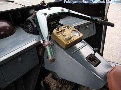 三輪トラック・マツダCLY71の運転台