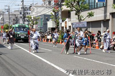 2011年5月15日、福山ばら祭のローズパレードに出場した「大黒町と福山自動車時計博物館」