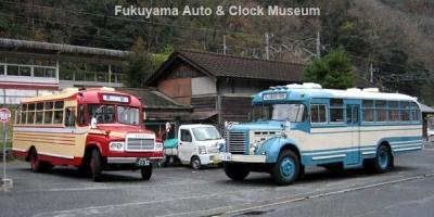 JR伯備線 方谷駅を訪れたボンネットバス・トヨタDB100と日野BH15【クリックで大きく表示】
