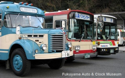 備北バスの古参車両と日野BH15【クリックで大きく表示】