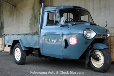 NHK土曜ドラマスペシャル「とんび」に出演 糸目今日子様のマツダT1500(TUB85N,1968年式) 旧門司食糧倉庫において