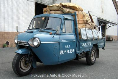 NHK土曜ドラマスペシャル「とんび」に出演 F様の三輪トラック・マツダT1500(TUB85,1966年式) 旧門司食糧倉庫において