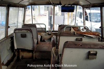 マツダ ライトバスAEVA(C)廃車体の車内 2012.2.3撮影【クリックで大きく表示】
