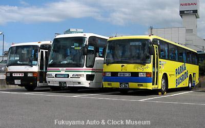 新旧(旧旧?)三菱ふそう車3台並び 鞆鉄道福山営業所において