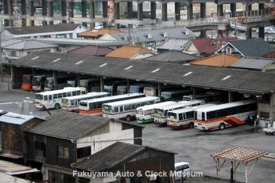 旧井笠鉄道 福山自動車営業所 車庫(俯瞰) 10月18日撮影【クリックで大きく表示】