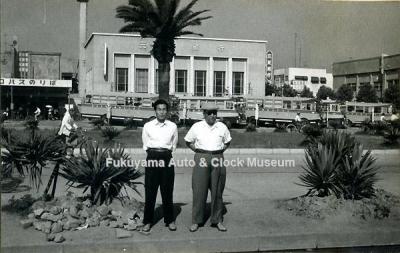 昭和34年(1959)8月に撮影の福山駅前・ニコニコバスのりばの写真【クリックで大きく表示】