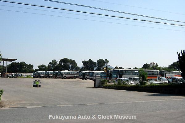 『追憶の井笠鉄道バス』7ページ掲載 井笠鉄道 笠岡自動車営業所 2012年10月16日撮影