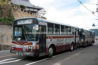 井笠鉄道で現役最古参だった1984年式路線車・いすゞP-LT312J(富士重工業5E)3台のうちの1台Z8403(岡22か2120) 2012年9月5日、福山市内某所で撮影