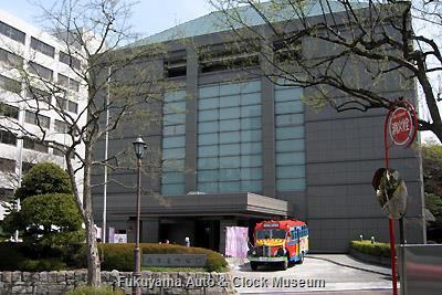 名古屋市公館とボンネットバス・日野BA14 4月1日撮影