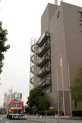 4月2日、名古屋市熱田区役所を表敬訪問したボンネットバス・日野BA14