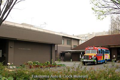 4月2日、名古屋市熱田土木事務所を表敬訪問したボンネットバス・日野BA14