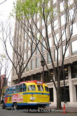 ボンネットバス・日野BA14 4月3日、名古屋商工会議所前にて記念撮影