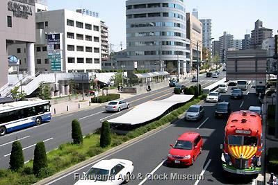 4月4日、愛知県道60号線沿いの千種警察署と名古屋市千種区役所を表敬訪問したボンネットバス・日野BA14