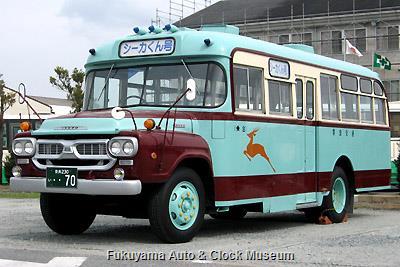 奈良交通のボンネットバス・いすゞBXD30 (1966年式,帝国自動車工業) 4月10日撮影