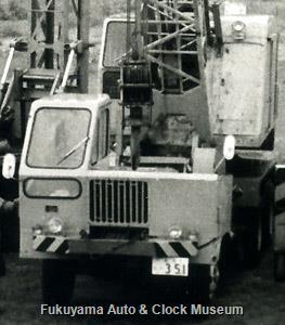 日野ZK11トラッククレーン(1961〜66年式,DS50搭載,軸距4370mm,後輪2軸・6輪全輪駆動)