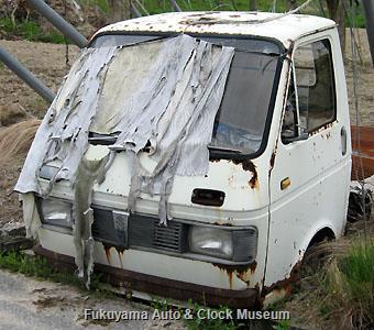 スズキ キャリイ トラック(4代目,L40)のキャブだけ廃車体 2010年4月30日撮影