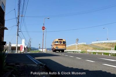鞆鉄道のボンネットバス・いすゞBX341 鞆の浦→福山駅前 運行風景 10月14日11時48分、水呑高浦停留所付近において【クリックで大きく表示】