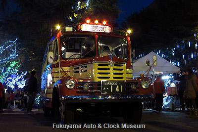 周南冬のツリーまつり 集中イベント(ファンタジックナイト)でのボンネットバス・いすゞBX141 展示風景