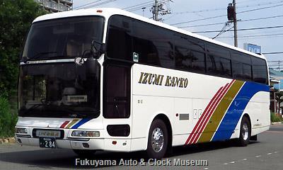 いずみ観光の三菱ふそうKL-MS86MP エアロクィーンII(2003年式,三菱自動車バス製造,愛媛200か284)