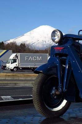 三輪トラック・マツダ号GA型(1949年式)と富士山【クリックで大きく表示】