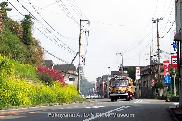 鞆鉄道 定期観光バスで運行のボンネットバス・いすゞBX341