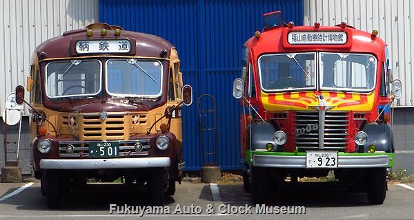 いすゞBX341と日野BA14の並び 2016年8月7日、鞆鉄道鞆車庫において